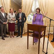 NLD/Den Haag/20190919 - Prinses Margarita exposeert op Masterly The Hague, Nicole Uniquole en Willem Jan Hoogsteder met Pauline Krikke
