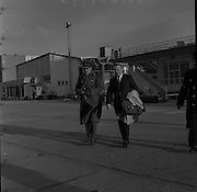 05/12/1961<br /> 12/05/1961<br /> 05 December 1961<br /> Troops of the 36th Battalion and General McKeown leave for the Congo from Dublin Airport. Lt. General General Sean McKeown on right with Colonel P.J. Hally, Adjutant - General on left.