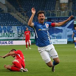 Rostock Deutschland 23.06.2020  Fussball  3.Liga FC Hansa Rostock - 1.FC Kaiserslautern<br /> <br /> Florian PICK (1. FC Kaiserslautern), li  - Julian RIEDEL (HRO)<br /> <br /> Foto © PIX-Sportfotos *** Foto ist honorarpflichtig! *** Auf Anfrage in hoeherer Qualitaet/Aufloesung. Belegexemplar erbeten. Veroeffentlichung ausschliesslich fuer journalistisch-publizistische Zwecke. For editorial use only. DFL regulations prohibit any use of photographs as image sequences and/or quasi-video.