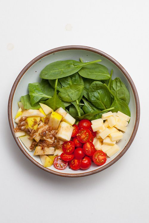Spinach, Cheddar, & Balsamic Apple Salad from the fridge (m€) - COVID-19 Social Distancing
