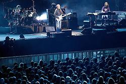 O guitarrista inglês, Eric Clapton toca no palco da FIERGS, em 6 de outubro de 2011, em Porto Alegre. FOTO: Jefferson Bernardes/Preview.com