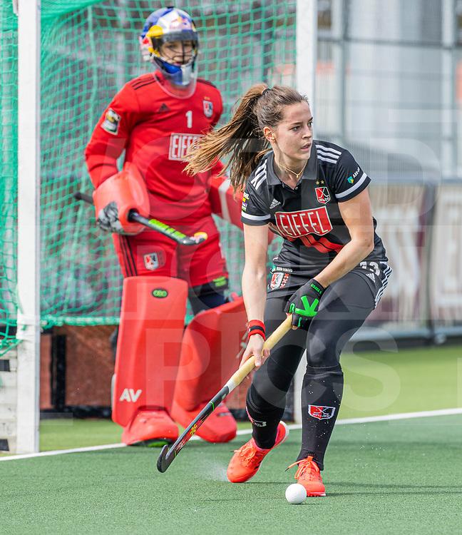 AMSTELVEEN -  Sabine Plonissen (Adam)  tijdens  de hoofdklasse hockey competitiewedstrijd dames, Amsterdam-Den Bosch (0-1)  COPYRIGHT WORLDSPORTPICS KOEN SUYK