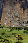 Santa Maria do Salto_MG, Brasil...Montanha rochosa em Santa Maria do Salto, Minas Gerais...The rocky nountain in Santa Maria do Salto, Minas Gerais...Foto: LEO DRUMOND / NITRO.