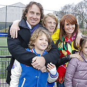 NLD/Blaricum/20120314 - Perspresentatie Koen Kampioen met als gastrol Luca Borsato, Marco Borsato met partner Leontien  zoon Luca, Senna en dochter Jada