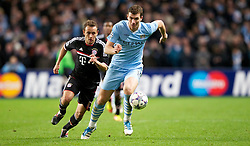 07.12.2011, City of Manchester Stadion, Manchester, ENG, UEFA CL, Gruppe A, Manchester City (ENG) vs FC Bayern München (GER), im Bild Manchester City's Edin Dzeko in action against FC Bayern Munchen's Rafinha during the football match of UEFA Champions league, group A, between Manchester City (ENG) and FC Bayern München (GER), at City of Manchester Stadium, Manchester, United Kingdom on 07/12/201. EXPA Pictures © 2011, PhotoCredit: EXPA/ Propaganda/ David Rawcliff..***** ATTENTION - OUT OF ENG, GBR, UK *****