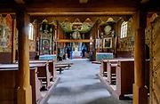 Kościół zRyczowaz pocz. XVII w. o konstrukcji zrębowej, w typie budowli gotyckiej, z oryginalnym wyposażeniem, polichromia stropów i ścian z lat 30. XX w.