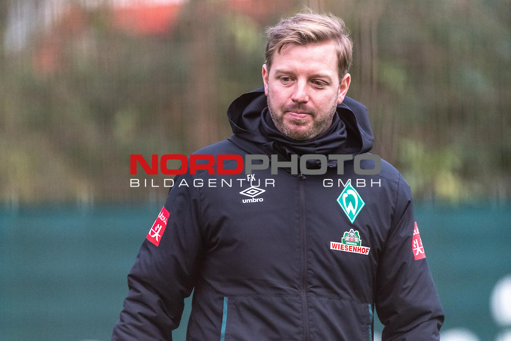 16.11.2020, Trainingsgelaende am wohninvest WESERSTADION - Platz 12, Bremen, GER, 1.FBL, Werder Bremen Training<br /> <br /> <br /> gut gelaunt Florian Kohfeldt (Trainer SV Werder Bremen)<br /> <br /> <br /> Foto © nordphoto / Kokenge *** Local Caption ***