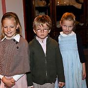 NLD/Apeldoorn/20081101 - Opening tentoonstelling SpeelGoed op paleis Het Loo, Anna, Lucas en Felicia