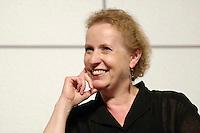"""22 AUG 2005, BERLIN/GERMANY:<br /> Christina Weiss, SPD, Staatsministerin fuer Kultur und Medien, waehrend einer Diskussion zum Thema """"7 Jahre rot-gruene Kulturpolitik"""", Palais der Kulturbrauerei<br /> IMAGE: 20050822-03-066"""