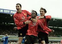 Fotball<br /> Foto: Andrew Cowie, Digitalsport<br /> Norway Only<br /> <br /> Louis Saha (Utd) celebrates his winning goal with John O'Shea (left) and Ronaldo (right). Birmingham City (1) v Manchester United (2). 10/4/2004.