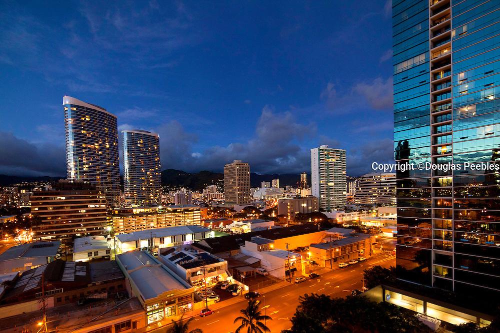 Twilight, Honolulu, Oahu, Hawaii