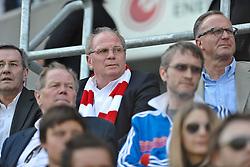 07.05.2011, Millerntor Stadion, Hamburg, GER, 1.FBL, FC St. Pauli vs FC Bayern Muenchen, im Bild Manager Uli Hoeneß (Muenchen) schaut gebannt dem Spiel zu. EXPA Pictures © 2011, PhotoCredit: EXPA/ nph/  Witke       ****** out of GER / SWE / CRO  / BEL ******