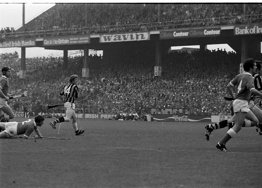 All Ireland Hurling Final - Cork vs Kilkenny.05.09.1982.09.05.1982.5th September 1982.Photographs taken Christy Heffernan (14) strikes at goal.