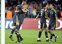 Jubel bei Reals Torschuetze Guti, Pepe, Cristiano Ronaldo und Alvaro Areloa. © Melanie Duchene/EQ Images