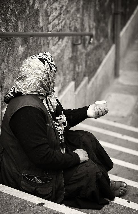 Italy - Venezia - Beggar woman
