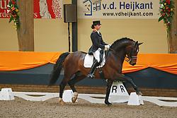 Krooswijk Angela (NED) - BMC Roman Nature<br /> KNHS Indoorkampioenschappen 2010<br /> © Hippo Foto - Leanjo de Koster