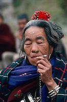 Nepal, Rehion du Rukum, Femme Magar. // Nepal, Rukum region, Magar ethnic group woman.