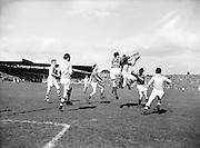 Neg No:.871/a1908-a1909..1955AISFCSF...All Ireland Senior Football Championship - Semi-Final..Dublin.1-8.Mayo.1-7.Dublin. .
