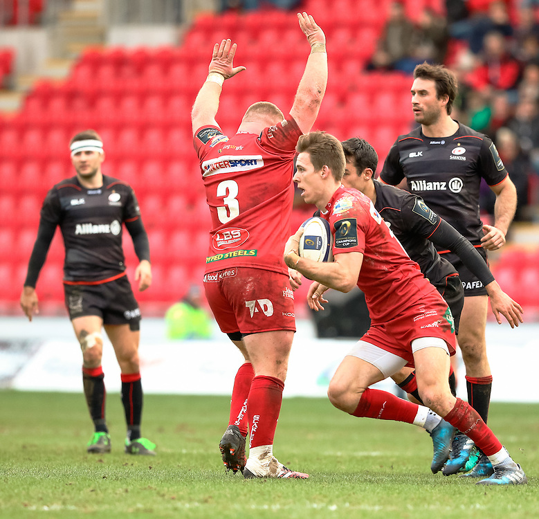 Scarlets' Liam Williams<br /> <br /> Photographer Simon King/CameraSport<br /> <br /> European Rugby Champions Cup Pool 3 - Scarlets v Saracens - Sunday 15th January 2017 - Parc y Scarlets - Llanelli <br /> <br /> World Copyright © 2017 CameraSport. All rights reserved. 43 Linden Ave. Countesthorpe. Leicester. England. LE8 5PG - Tel: +44 (0) 116 277 4147 - admin@camerasport.com - www.camerasport.com