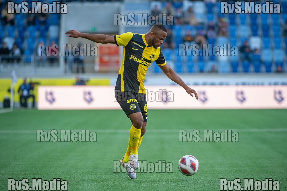 LAUSANNE, SWITZERLAND - SEPTEMBER 22: Meschack Elia #15 of BSC Young Boys in action during the Swiss Super League match between FC Lausanne-Sport and BSC Young Boys at Stade de la Tuiliere on September 22, 2021 in Lausanne, Switzerland. (Photo by Monika Majer/RvS.Media)