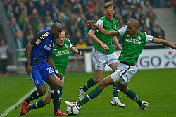 08.05.2010, Weser Stadion, Bremen, GER, 1.FBL, Werder Bremen vs Hamburger SV im Bild Petri Pasanen ( Werder   #03 ) Guy Demel (HSV #24) Naldo ( Werder  #04 )   EXPA Pictures © 2010, PhotoCredit: EXPA/ nph/  Kokenge / SPORTIDA PHOTO AGENCY