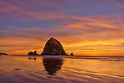 Haystack Rock, Cannon Beach, OR,