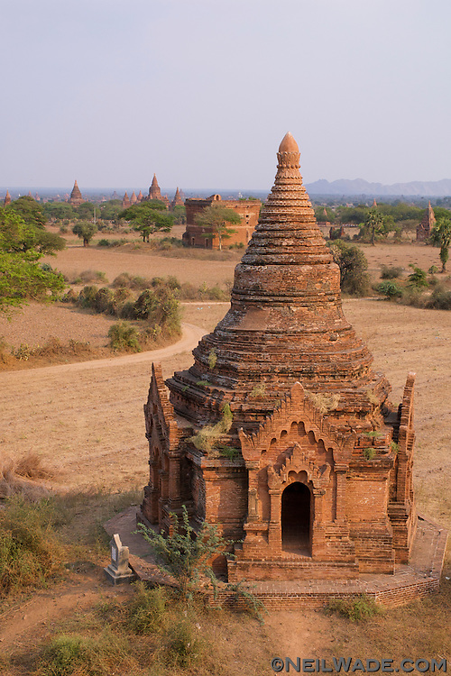 Sunrise on the World Heritage site of Bagan, Mynamar (Burma)..Bagan is a UNESCO World Heritage Site. It covers an area about 7 km by 7 km and is packed with 7000+ pagodas. It was one of the world's greatest cities from around AD 850 until it's demise around the 13th century.