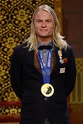 Officiele Huldiging van de Olympische medaillewinnaars Sochi 2014 / Official Ceremony of the Sochi 2014 Olympic medalists.<br /> <br /> Op de foto:  Koen Verweij krigt de onderscheiding van Ridder in de Orde van Oranje-Nassau