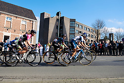 Lotta Lepistö and Lisa Brennauer well positioned as the race gets underway - Women's Ronde van Vlaanderen 2016. A 141km road race starting and finishing in Oudenaarde, Belgium on April 3rd 2016.