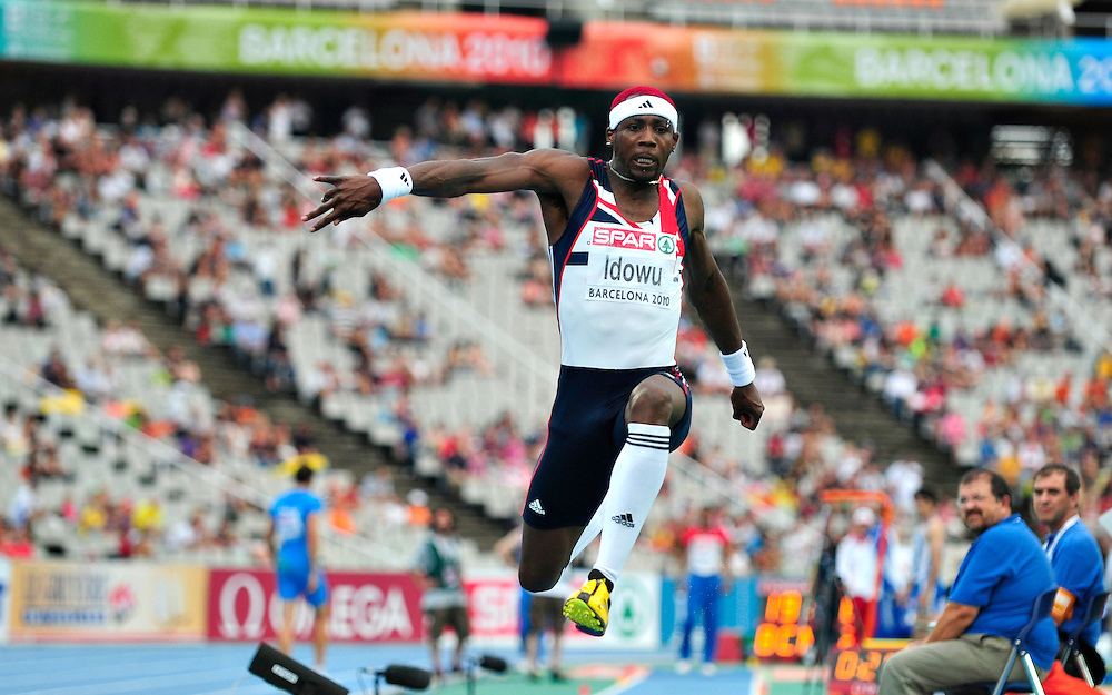 Great Britain's Phillips Idowu competes during the men's triple jump final at the 2010 European Athletics Championships at the Olympic Stadium in Barcelona on July 29, 2010