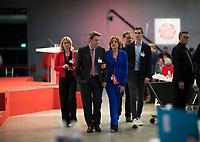 DEU, Deutschland, Germany, Berlin, 06.12.2019: SPD-Fraktionschef Dr. Rolf Mützenich (SPD) und Malu Dreyer (SPD), Ministerpräsidentin von Rheinland-Pfalz, beim Bundesparteitag der SPD im CityCube.