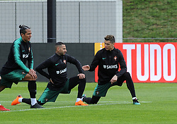 March 20, 2018 - Na - Oeiras, 03/20/2018 - The National Team AA trained this morning with a view to preparing for the 2018 World Cup in the City of Soccer in Oeiras. Quaresma, Cristiano Ronaldo  (Credit Image: © Atlantico Press via ZUMA Wire)