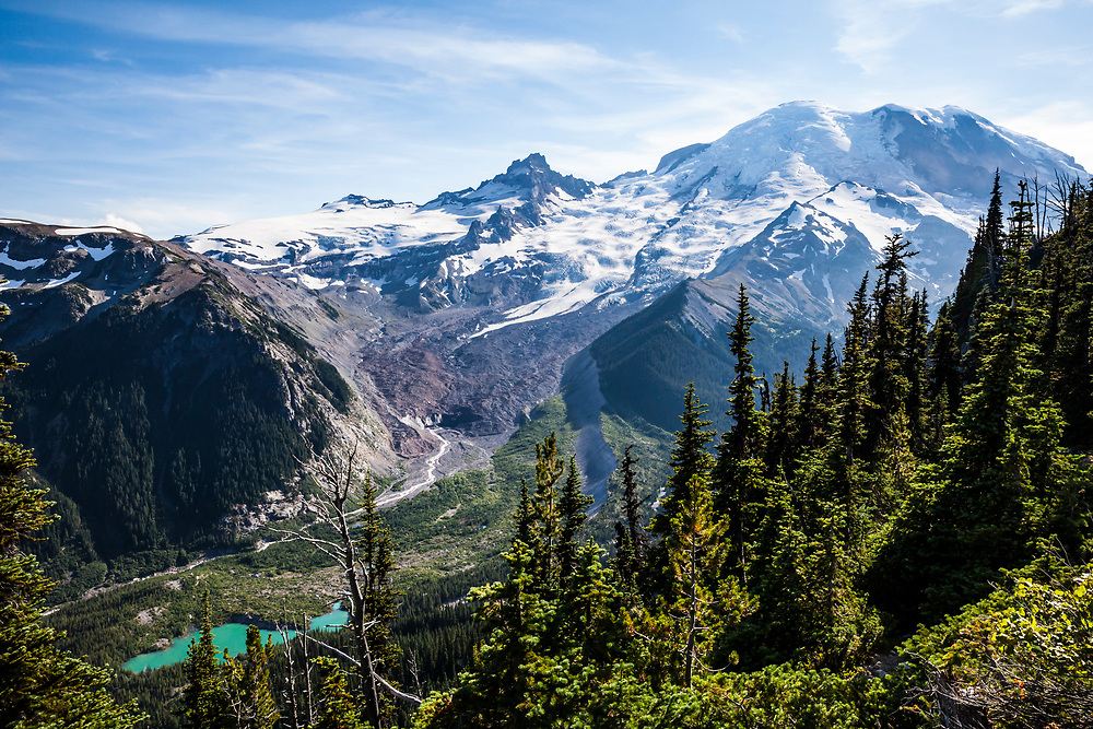 A view along the Burroughs Mountain trail, Mount Rainier National Park, Washington, USA.