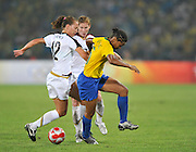 Beijing, CHINA.   Olympic Football, Women's Gold  Medal Game, USA vs BRA, Brazil's MAYCON and USA's Lauren CHENEY, going for the ball, during the Final at the Beijing Workers Stadium. Thursday,  21.08.2008 [Mandatory Credit: Peter SPURRIER, Intersport Images]