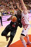 DESCRIZIONE : Campionato 2015/16 Giorgio Tesi Group Pistoia - Pasta Reggia Caserta<br /> GIOCATORE : Jones Bobby<br /> CATEGORIA : Penetrazione<br /> SQUADRA : Pasta Reggia Caserta<br /> EVENTO : LegaBasket Serie A Beko 2015/2016<br /> GARA : Giorgio Tesi Group Pistoia - Pasta Reggia Caserta<br /> DATA : 15/11/2015<br /> SPORT : Pallacanestro <br /> AUTORE : Agenzia Ciamillo-Castoria/S.D'Errico<br /> Galleria : LegaBasket Serie A Beko 2015/2016<br /> Fotonotizia : Campionato 2015/16 Giorgio Tesi Group Pistoia - Pasta Reggia Caserta<br /> Predefinita :