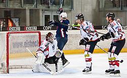 27.04.2011, TWK Arena, Innsbruck, AUT, IIHF WM 2011, Testspiel, Österreich vs USA, im Bild 2:2 durch Chris Kreider (USA, #19, Boston College, HEA), Jürgen Penker (AUT, #29, EV Vienna Capitals), Matthias Trattnig (AUT, #51, EC Red Bull Salzburg), Darcy Werenka (AUT, #24, Moser Medical Graz 99ers) during friendly ice hockey match between Austria and USA, in preparation of IIHF world Championship 2011 at TWK Arena in Innsbruck Austria on 27/4/2011. EXPA Pictures © 2011, PhotoCredit: EXPA/ J. Groder
