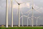 Nederland, Tiel, 11-12-2014 Windmolens langs de A15 snelweg.Foto: Flip Franssen/Hollandse Hoogte