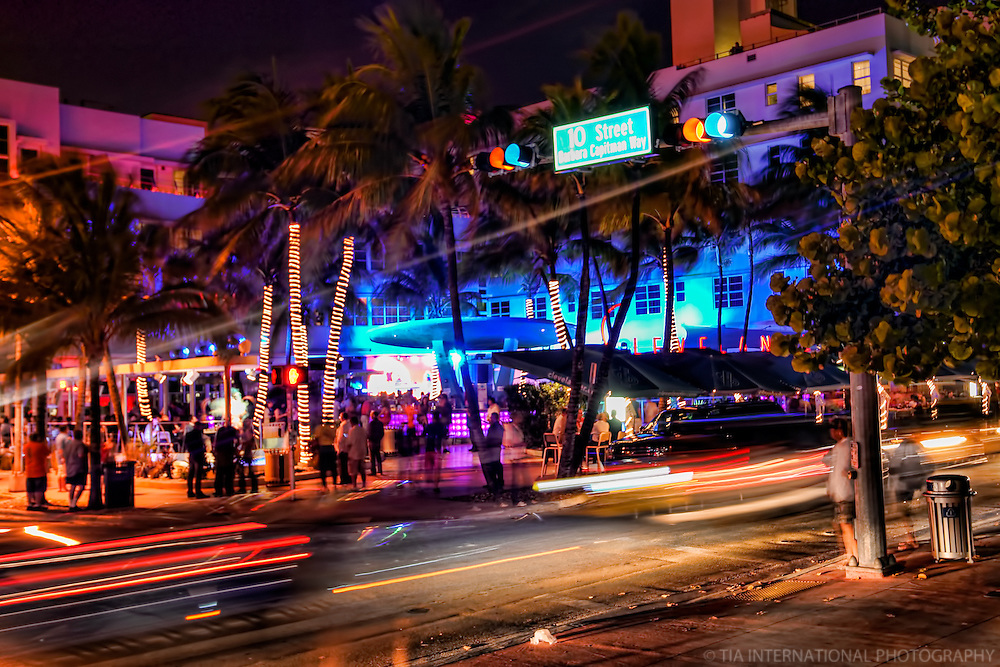 Nightlife @ The Clevelander Hotel