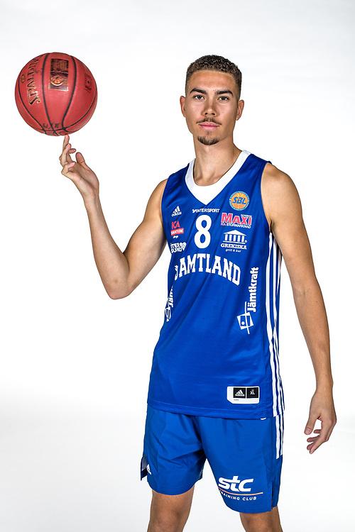 ÖSTERSUND 210906<br /> Jämtlands Felix Edwardsson<br /> Jämtland Basket säsongen 2021-2022<br /> <br /> Foto: Per Danielsson/Projekt.P