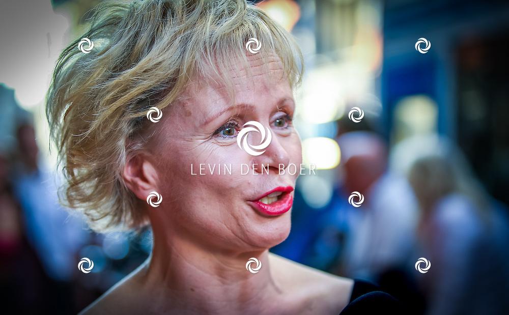 AMSTERDAM - De Nederlandse premiere van Elle, de nieuwste film van regisseur Paul Verhoeven. Met hier Renee Soutendijk op de rode loper. FOTO LEVIN & PAULA PHOTOGRAPHY
