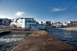 """Leuca (LE) Marzo 2013.Il Lido Azzurro è uno dei primi stabilimenti balneari che nasce sul litorale Salentino e nello specifico il primo esistente a S.M. di Leuca. Sorge nei primi anni 60 adiacente al lungomre C. Colombo e negli anni subisce varie trasformazioni. Da stabilimento diventa anche pizzeria e locale notturno. Oramai il Lido Azzurro è diventato il """"ritrovo"""" per eccellenza della vita mondana leucana. Sono diventate, negli anni, una garanzia gli appuntamenti serali di musica LIVE .Centinaia di giovani aspettano l'alba con le melodie dei più bravi DJ Salentini e non solo,che si susseguono durante tutte le serate. La prerogativa del locale è: Musica e Divertimento. Una serata su tutte """"il carnevale estivo"""" ogni 15 agosto, per non parlare della notte di San Silvestro.Infatti il Lido Azzurro è aperto tutto l'anno! Nell'attesa che arrivi la notte al Lido Azzurro è possibile cenare. Per chi ama fare le ore piccole è possibile aspettare l'alba nella splendida cornice di S.M. di Leuca facendo colazione in riva al mare e perchè non aspettare l'apertura dello stabilimento e farsi un bagno li' dove si incontrano i due Mari..Fonte http://www.lidoazzurro.org"""