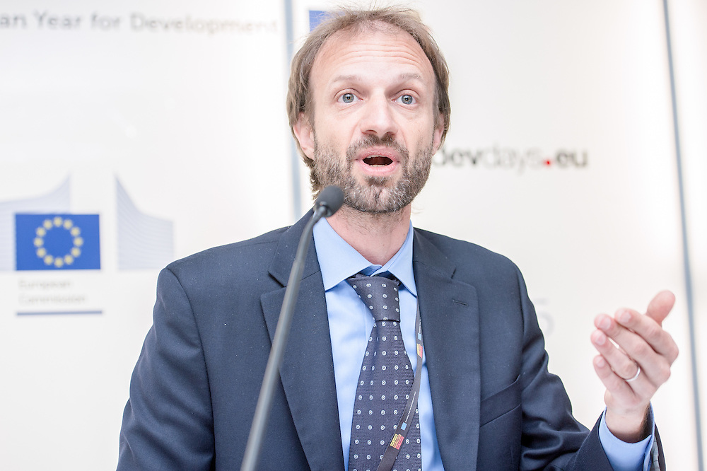 04 June 2015 - Belgium - Brussels - European Development Days - EDD - Jobs - Supporting public policies and investments that promote sector-level competitiveness and innovation - The case of competitive cities - Stefano Negri , Lead Private Sector Development Specialist , The World Bank Group © European Union