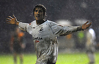 Photo: Alan Crowhurst/Sportsbeat Images.<br />Horsham v Swansea City. The FA Cup. 30/11/2007. Swansea's Guillem Bauza celebrates his goal 0-1.
