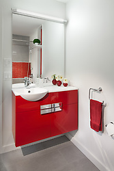 5_Carderock_Red Bathroom