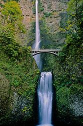 Multnomah Falls, Columbia River Gorge National Scenic Area, Oregon, US