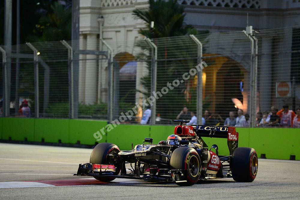 Kimi Raikkonen (Lotus-Renault) during practice for the 2013 Singapore Grand Prix. Photo: Grand Prix Photo