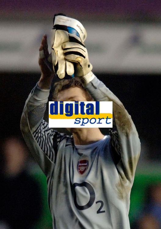 Photo: Glyn Thomas.<br />Birmingham City v Arsenal. The Barclays Premiership. 04/02/2006.<br />Arsenal's Jens Lehmann applauds his team's fans.