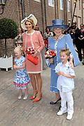 Beatrix opent tentoonstelling Máxima, 10 jaar in Nederland.//<br /> Queen Beatrix opens the exibition Maxima 10 years in the Netherlands<br /> <br /> Op de foto:<br /> <br />  Prinses Maxima en Koningin Beatrix / Princes Maxima and Queen Beatrix
