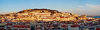Portugal, Lisbonne, la ville et le Castelo Sao Jorge ou chateau Saint Georges // Portugal, Lisbon, city and Castelo Sao Jorge or St George's Castle