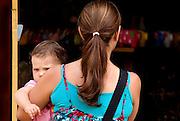 Tiradentes_MG, Brasil...Mae com um bebe...The mother with a baby...FOTO: BRUNO MAGALHAES /  NITRO